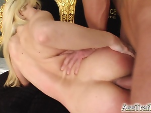 Bendy girl's ass treated to double fuck and jizz spray