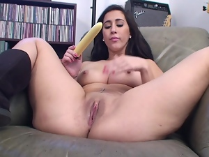 Curvy Teen Valerie Kay Masturbating