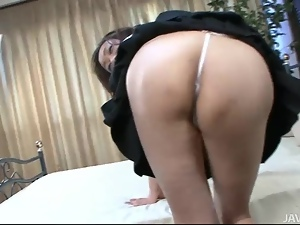 Gorgeous Hitomi Aizawa in the middle of two horny dicks