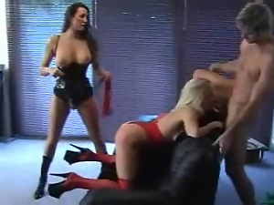 Fetish threesome fucking