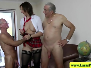 Hot mature in mmf threeway spanked