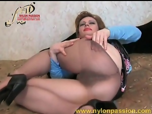 Russian babe Isolda in pantyhose and lipstick