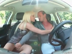 Blonde in shiny dress sucks dick in car