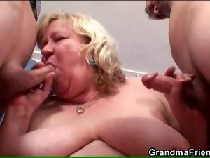 Fat old bitch in pantyhose has threesome sex