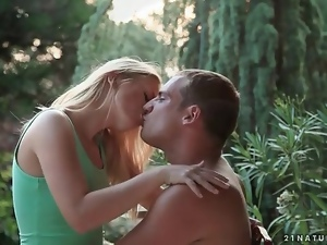 Beautiful kissing and blowjob in the backyard