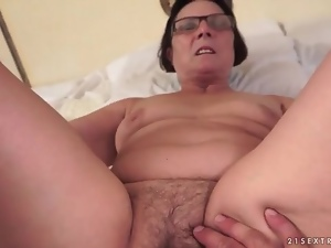 Old gal in glasses fucked in mature cunt