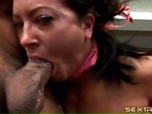 Gagging throat fuck makes this bitch choke