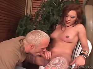 Shemale gets head from eager blonde guy