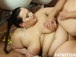 Busty bbw brunette sucks and gets fucked hard