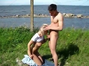 Russian couple fuck outdoors