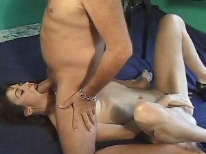 Old bloke fucks a sexy mature woman