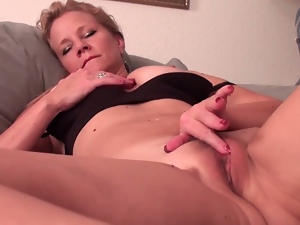 Mature lady solo fun
