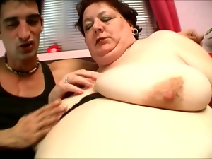 Mature tubby Agnes Eva sucks a cock before jumping on it