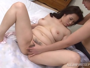Wake up sex with a curvy Japanese mature lady