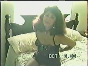Hot milf pleases herself in amateur vintage video