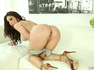 Brunette babe Aleksa Nicole gets her mouth and ass fucked deep