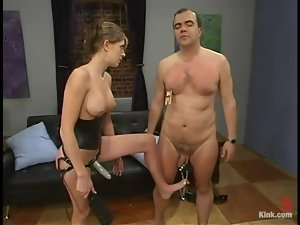 Audrey Leigh pokes her strapon into Bigdick's mouth and ass