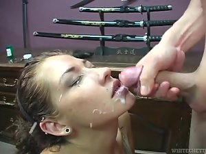 Charming blonde Coco Velvett blows and gets facialed