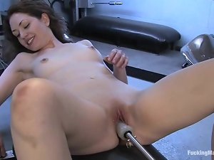 Sarah loves a little pain with a fucking machine