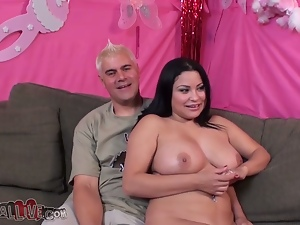 Some 69 with a filthy and chubby brunette