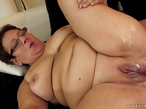 Brunette granny Lawanda gets her shaved vag fucked hard