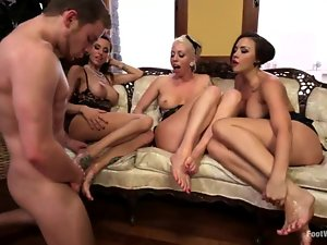 Three hot chicks get their pussies and feet licked