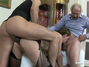 Babe pleases her boyfriend and his dad at a time