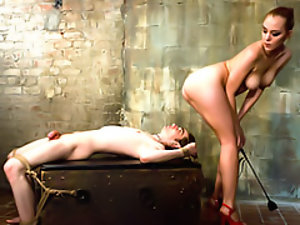 Femdom wants her pussy licked