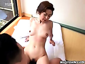 Horny slut kept moaning during a hot fuck