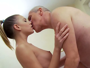 A SHOWER WITH GRANDPA