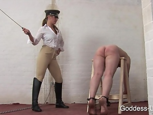 Dominatrix teaches him a lesson