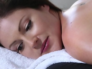 Sensual massage with fuck to finish