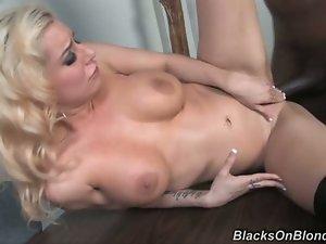 Mariah Madysinn takes black dick