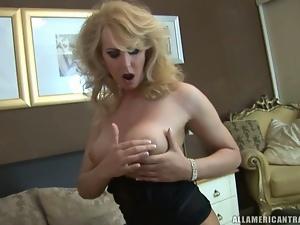 Blonde American Tranny