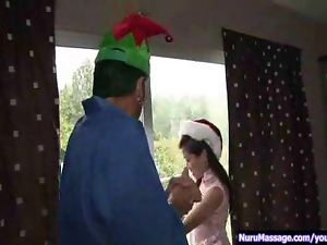 Wet Christmas 3some p1