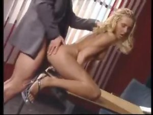 Blondes Getting Office Nooky