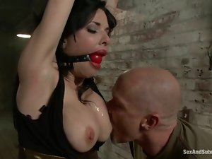Curvaceous Veronica Avluv gets pounded in hot BDSM vid