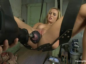 Mae Meyers the blonde hottie gets toyed by a machine