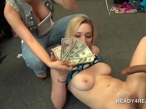 Awesome amateur slut banged hard for cash and jizz shot