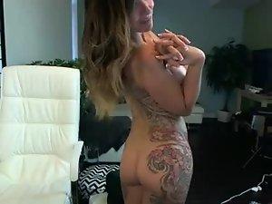 sexy girl rides the fuck machine