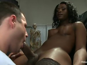 Chanel Couture the Black tranny fingers and fucks a guy