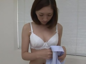Horny Nurse Yuri Kasiwa pleases her patient