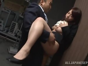 Momo Ogura gets her cunt drilled in standing position