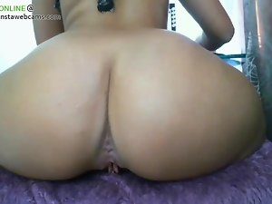 Gorgeous tanned babe got sexy ass 1