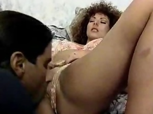 Retro style double penetration with a sexy curly haired siren