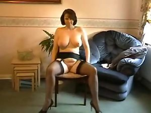 Milf in Nylon and Stockings gives a hell of a show