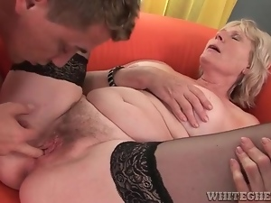 Moaning mature banged in hairy vagina