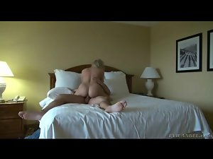 Cock riding blonde with a beautiful ass sits on him