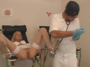 Doctor gets blowjob from a sexy nurse