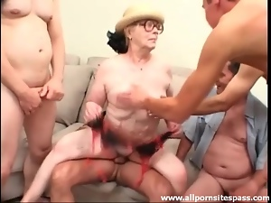 Wrinkled old lady boned in a gangbang